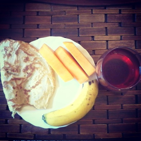 Pancake, mango, banana and hibiscus ice tea