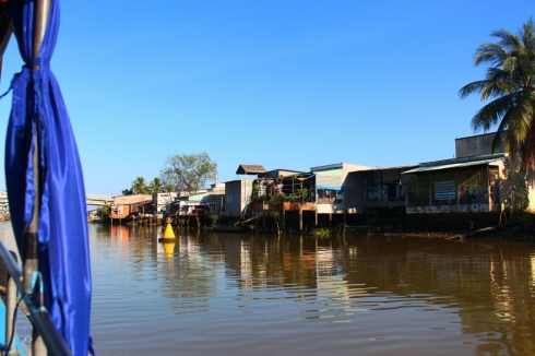 Vietnam-travel-Mekong-Delta-Floating-MArket-8